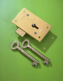 A & E Squire No.36 Brass Straight Cupboard Lock 75mm 2 Lever