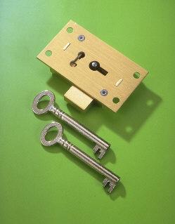 A & E Squire No.51 Brass Straight Cupboard Lock 65mm 4 Lever