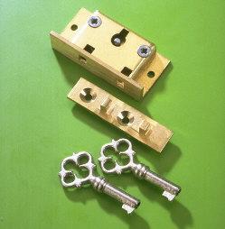 A & E Squire No.14B Brass Box Showcase Lock 38mm 2 Lever